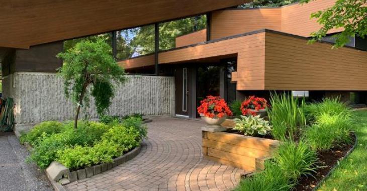 Unique en son genre au Québec : impressionnante maison d'architecte sur un terrain boisé à Jonquière