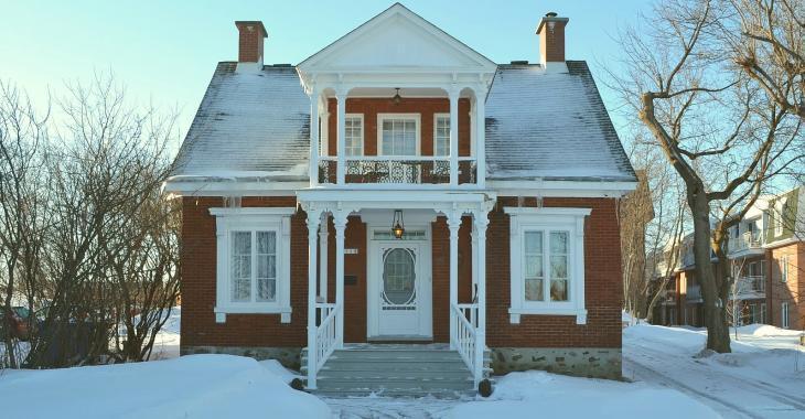 Jolie ancestrale de Chambly pouvant être convertie en intergénérationnelle et offrant plusieurs possibilités de revenus