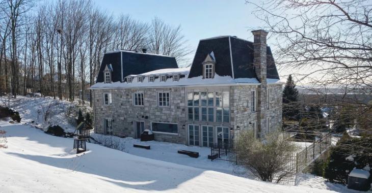 Brigitte Lafleur a vendu sa magnifique maison du Mont-Saint-Hilaire pour 1,3 M$