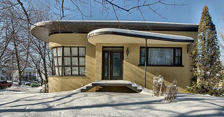 Cette maison de style Art Déco construite en 1953 a tout pour plaire