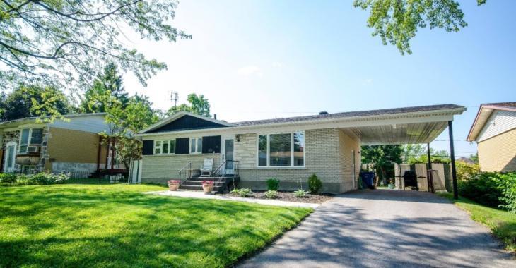 Découvrez l'intérieur de ce joli bungalow clés en main à vendre pour 295 000 $