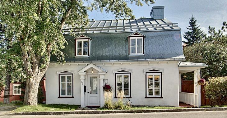 On a su garder le charme ancestral de cette maison de 1845 tout en apportant des éléments modernes au décor