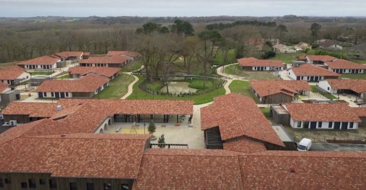 Le premier Village Alzheimer de France ouvre la semaine prochaine et il est adapté à la COVID-19