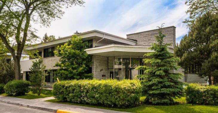 À vendre depuis plus d'un an, la maison de Martin Matte voit son prix baisser de plusieurs milliers de dollars