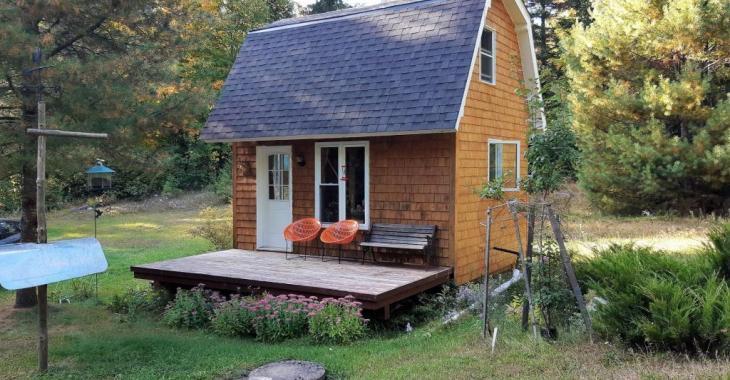 Mignonne mini-maison se vendant meublée à moins de 80 000$ dans les Laurentides