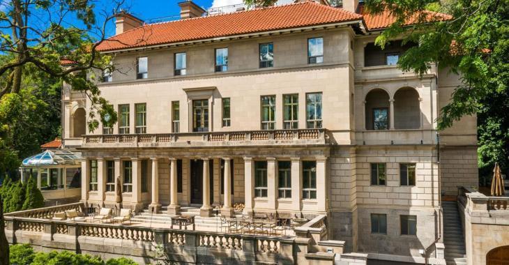 L'une des maisons les plus impressionnantes du Canada, située à Montréal, est maintenant en vente