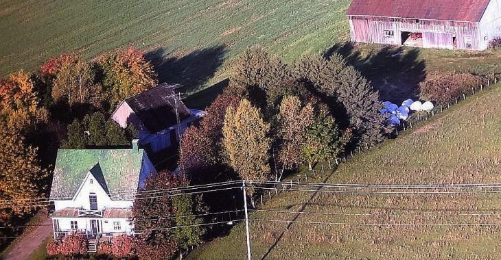 Pour 125 000$, faites l'acquisition d'une ancestrale champêtre de 4 chambres qui a conservé ses matériaux d'origine