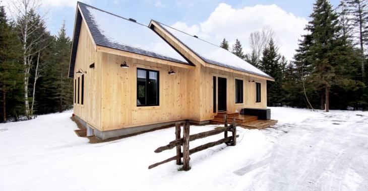 Vivez en toute intimité dans cette superbe maison flambant neuve dans un secteur paisible des Laurentides