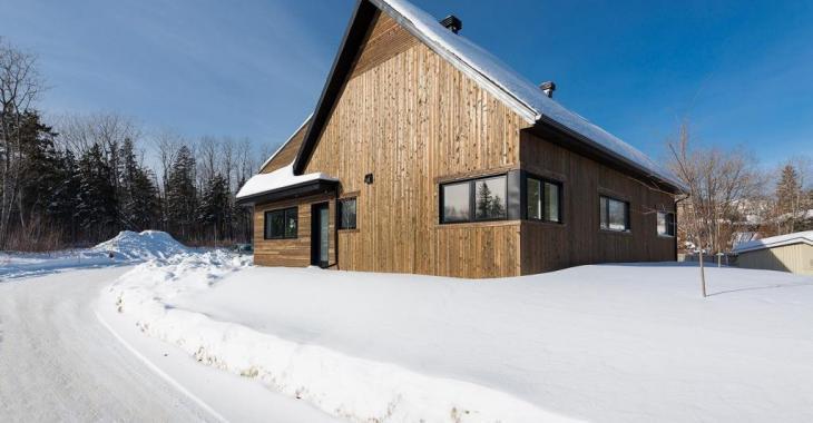 Venez découvrir l'intérieur de cette superbe propriété clés en main de 3 chambres à coucher située dans un nouveau développement
