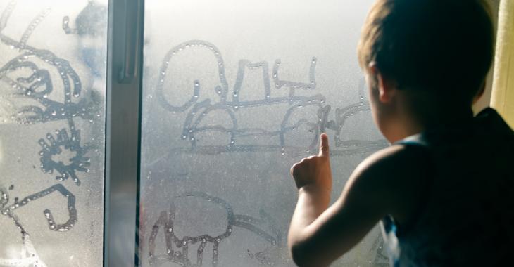 8 trucs pour en finir avec la condensation dans les fenêtres par temps froid