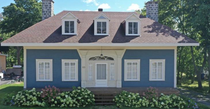 Superbe maison au cachet unique comprenant 5 chambres à coucher avec en prime un atelier isolé sur la propriété