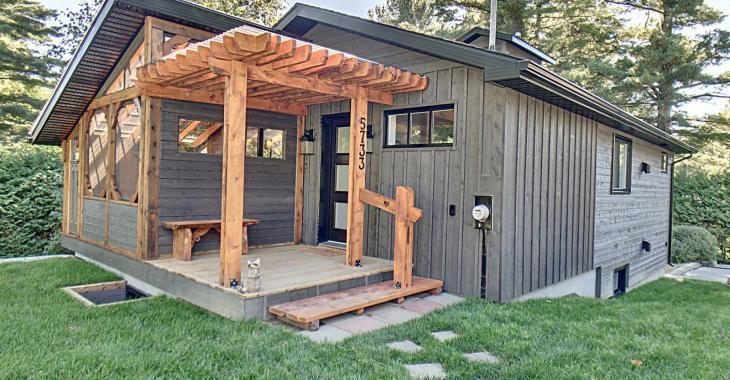 Découvrez l'intérieur rénové de cette sympathique maison à vendre de 219 000 $