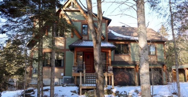 Magnifique domaine vous offrant le confort d'une maison luxueuse et la sensation d'être au chalet