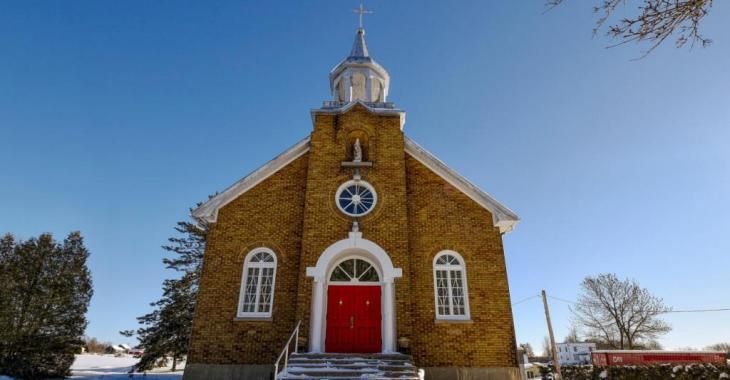 Habitez dans une ancienne église à vendre pour 324 000 $