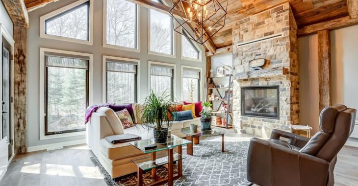 Un intérieur digne d'un magazine de décoration, un terrain de 48 755 pieds carrés; cette ravissante maison pourrait bien vous charmer