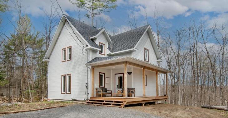Magnifique demeure de style farmhouse moderne dont l'intérieur soigné séduit tout autant que son environnement intime et enchanteur