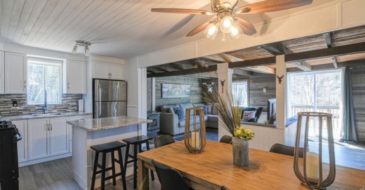 Un décor digne de Pinterest vous attend dans cette ravissante maison vendue meublée de 159 900 $