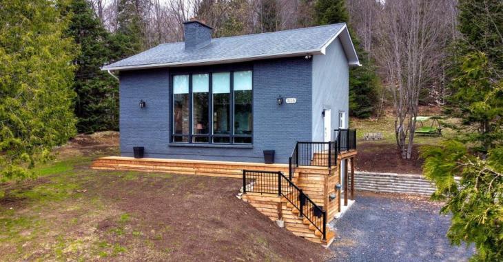 Somptueuse maison soigneusement rénovée vous offrant 4 chambres à coucher et 3 salles de bain