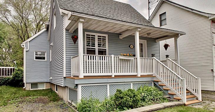 Coquette maison entièrement rénovée située à deux pas de la rivière Richelieu dans un quartier au charme unique!
