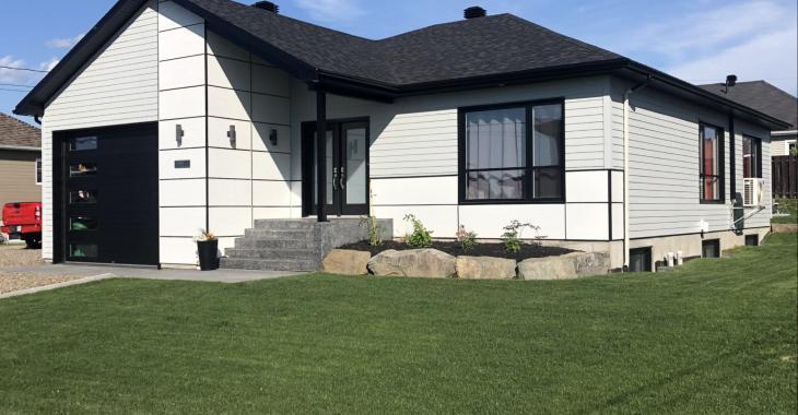 Maison de 5 ans vous offrant un intérieur au goût du jour à vendre pour 335 000 $
