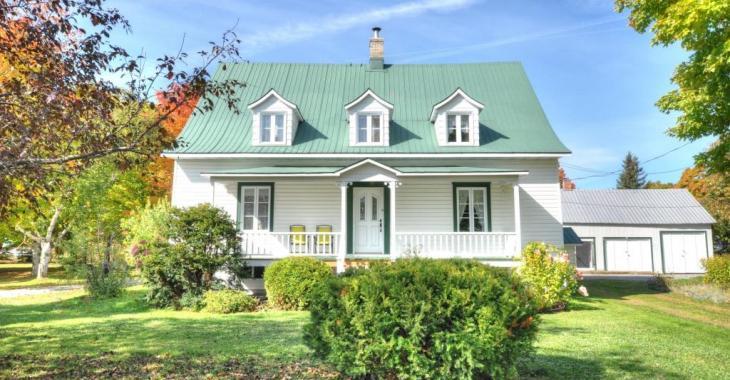 Paradis bucolique de 336 362 pi² avec grande maison de 5 chambres et des étendues champêtres pour tous vos projets
