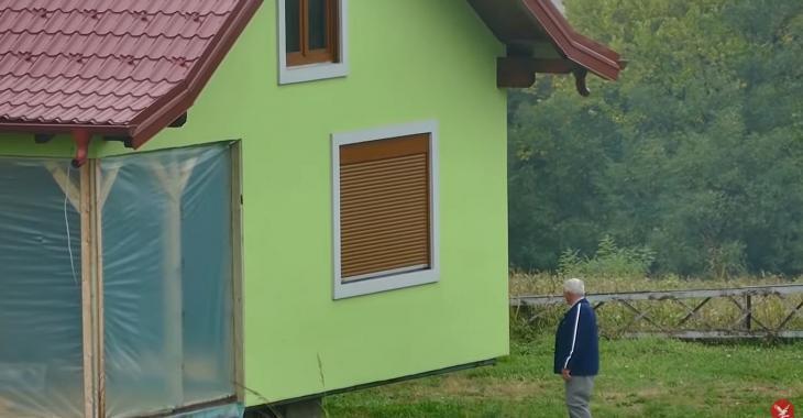 Un homme construit une maison qui tourne sur elle-même pour faire plaisir à son épouse